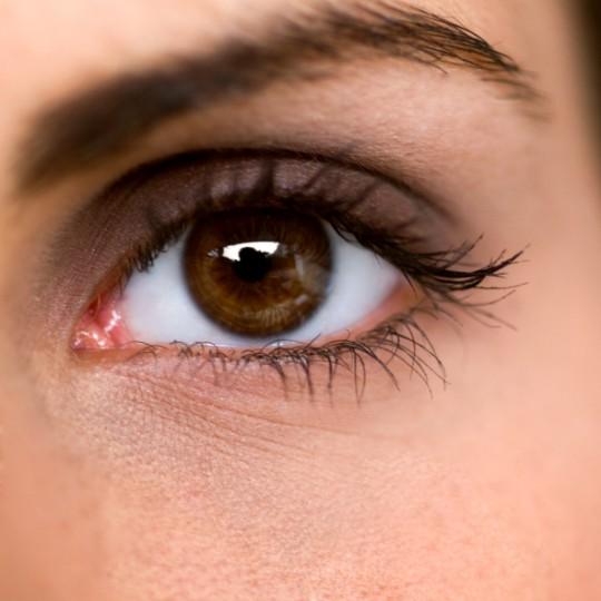 Как отбелить белки глаз в фотошопе