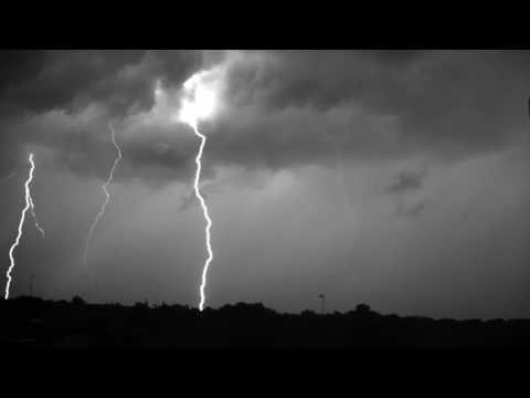 Молния при съёмке 7000 кадров в секунду